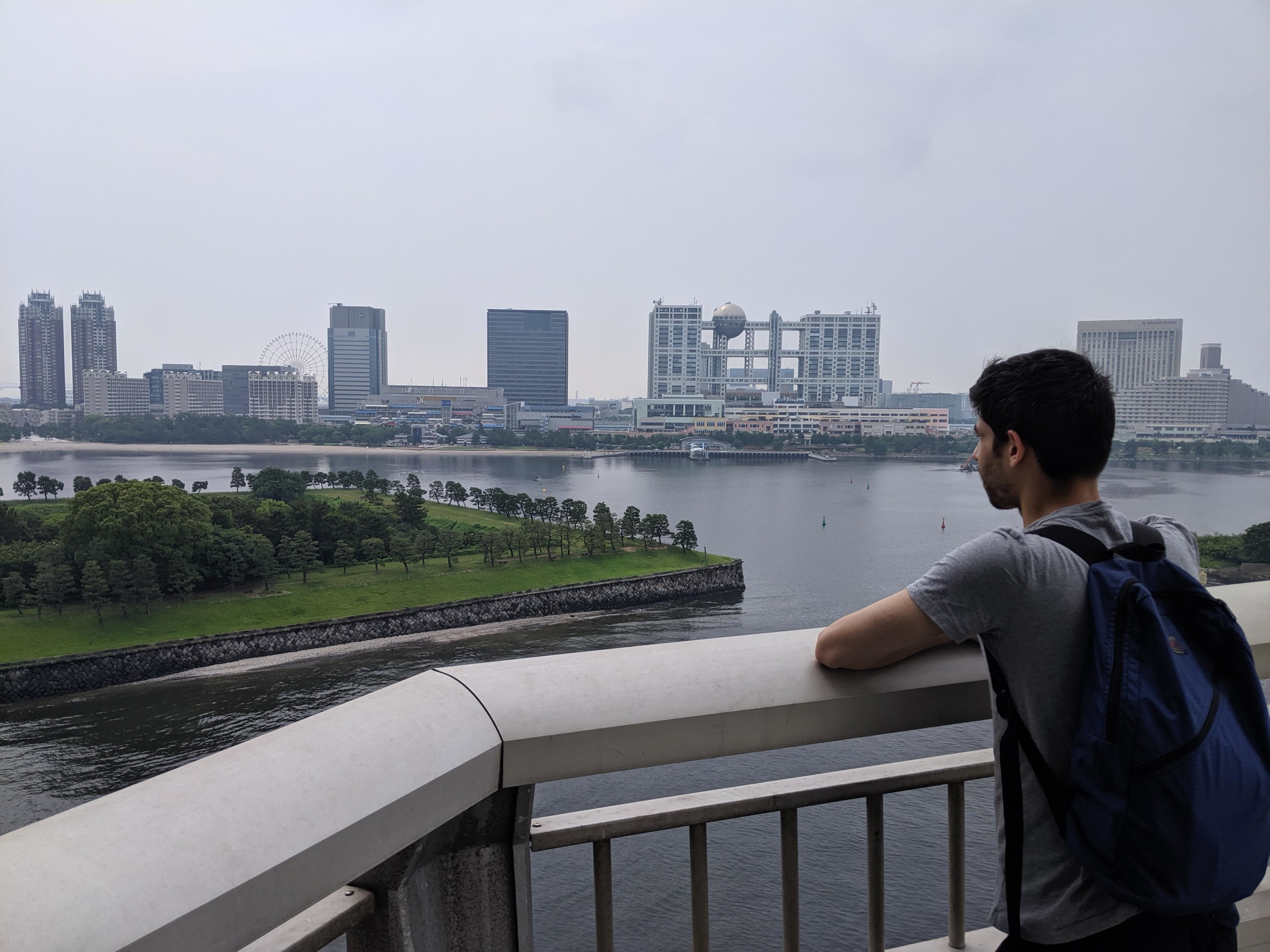 The view from the Rainbow Bridge. In the bottom left you can see a small island connected to Odaiba we explored.